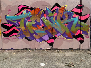 TENK dos / New London / Walls