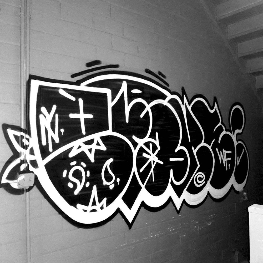 brakes buffalo graffiti writer spotlight bombing science. Black Bedroom Furniture Sets. Home Design Ideas